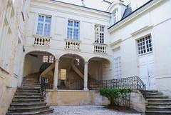 Chinon (37) : hôtel du Gouverneur (odile.cognard.guinot) Tags: centrevaldeloire 17esiècle chinon indreetloire hôteldugouverneur hôtelparticulier