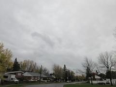 ** Un ciel maussade...** (Impatience_1 (peu...ou moins présente...)) Tags: ciel sky arbre tree rue street maison house architecture m impatience supershot coth coth5 abigfave