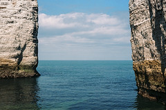 """Entre mer et terre"" (kyopé) Tags: ektar100 analog normandie etretat jour extérieur ektar 100 kodak kodakfilm film filmcamera canonet cliff falaise mer eau sea grain ciel pierre"