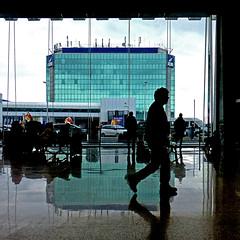 Fiumicino - Rome Airport (pom.angers) Tags: panasonicdmctz30 february 2017 rome roma fiumicino airport leonardodavinciinternationalairport 100 people 200 300 400 5000