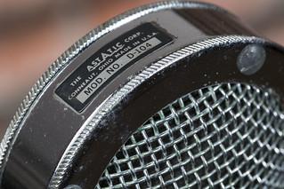 Speak into the microphone -[ HMM ]-