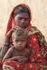Maikal Hills - Chhattisgarh - India (wietsej) Tags: chhattisgarh india maikal hills sonydslra700 sonysal135f18 a700 sal135f18z 13518 sonnar13518za zeiss mother woman child boy portrait