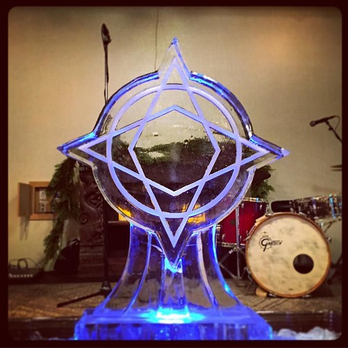 @wanderlustyogaatx ready to celebrate their #holiday #party tonight! #fullspectrumice #icesculpture #logo #thinkoutsidetheblocks #brrriliant - Full Spectrum Ice Sculpture