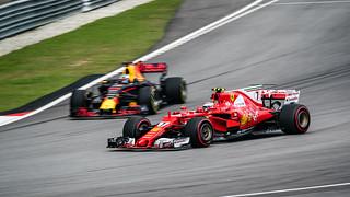 Kimi Räikkönen (Car 7 - SF70H - Scuderia Ferrari) & Daniel Ricciardo (Car 3 - RB13 - Red Bull Racing)
