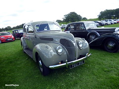 1938 Ford Deluxe V8 (BenGPhotos) Tags: 2017 vscc vintage sports car club mallory park grey ford v8 fsu216 1938 deluxe