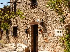 Farena , Muntanyes de Prades (36) (calafellvalo) Tags: tollollafarenamontralbrugentríoremansocalafellvaloprades farena tolldelolla montral calafellvalo river valls caminos road way