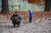 Da grande lavorerò in Mediolanum (encantadissima) Tags: torino piemonte parcodelvalentino mamma bimbo pubblicità fogliemorte po ringhiera alberi streetphotography
