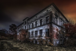 the forgotten manor house