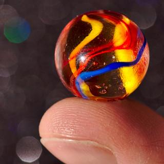 Marble on Fingertip I HMM!