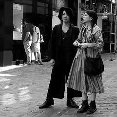 Michael Jackson ;-) (Serge Dejonckheere) Tags: brussels bruxelles noiretblanc blackandwhite monochrome streetphotography photoderue michael jackson rx100 candid street