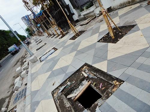 Pembangunan Drainase dan Jalur Pedestrian - Jalan Manyar Kertoarjo (Sisi Selatan) (3)