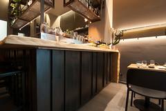 _DSC2409 (fdpdesign) Tags: design fdpdesign italia italy furniture led lights milano milan shopdesign sushi bar cocktails legno wood cerdisa ora neta specchio specchi 2017