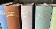 """Der Gedichtband. Die Gedichtbände. Ein Gedichtband ist ein Buch, in dem nur Gedichte stehen. Gedichte sind meist kurz, manche reimen sich. #vocab #vokabel #deutsch #german #lernen #learn #onewordaday • <a style=""""font-size:0.8em;"""" href=""""http://www.flickr.com/photos/42554185@N00/38528567621/"""" target=""""_blank"""">View on Flickr</a>"""