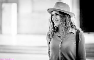 Chica con sombrero. Valencia, noviembre 2017.