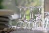 Préparatifs (martine_ferron) Tags: verres assiettes repas table
