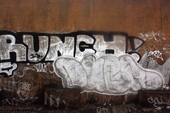 Runch, Duba(RIP) - London Bridge (GRAFFLIX (grafflix.co.uk)) Tags: graff graffiti runch duba ps