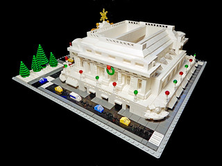 LEGO Grand Central Terminal Xmas Side View