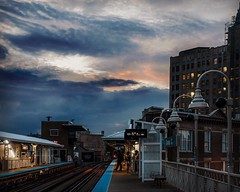 Sunset at Damen Station. Chicago, IL. 2015 (ballesteros_j) Tags: illinois sunset platform ltrain damen chicago