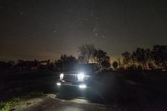 3 Liter Auto bei Nacht (holgerpommerien) Tags: jeep commander crd sternenhimmel niedersachsen nettelkamp