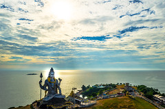 Murudeshwara (Harish.hl) Tags: shiva god beach sky hindu incredibleindia india