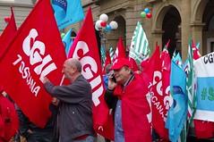 IMGP1327 (i'gore) Tags: firenze cgil cisl uil pensioni presidio sindacato libertà lavoro solidarietà diritti giustizia