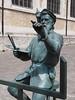 Statue of Pieter Bruegel (Tom Frantzen) (M_Strasser) Tags: statue bruegel frantzen olympus olympusomdem1 brussels brüssel belgium belgien