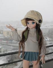Last Sunday snow (Ninotpetrificat) Tags: dd doll dollfiedream dollfie dollclothes ddh10 mdd crochet hobby handmade hipster hat hechoamano snow muñeca cute kawaii japantoy japandoll toys denim volks
