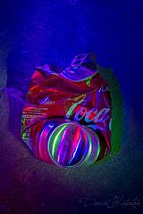BASURArt (https://katalan46.wixsite.com/fotografia) Tags: basura arte lata cocacola cola refresco iluminacion luces rgb largaexposicion longexposure metal garbage art can refreshment lighting lights coke trash urban moderart original red rojo azul blue green verde night nocturna modern