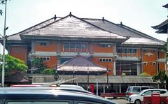 BNI Renon samping (Ya, saya inBaliTimur (leaving)) Tags: denpasar bali building gedung architecture arsitektur office kantor bank