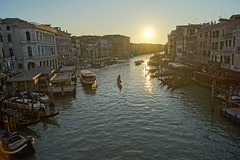 Rialto Bridge Sunset (- Ozymandias -) Tags: venezia veneto italy it italia venice baroque canals grandcanal hdr ευρώπη city ville grandeville hauptstadt πόλη αναγέννηση βενετία europe ιταλία δύσηηλίου κανάλι
