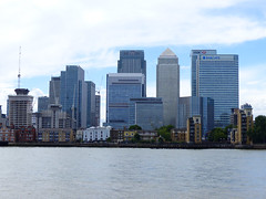 Canary Wharf (Kombizz) Tags: 1200279 kombizz 2017 travel london se10 riverthames cititower statestreet statestreetbuilding hsbctower barclaystower cityscape seascape buildings architecture canarywharf towerhamlets thamesriver