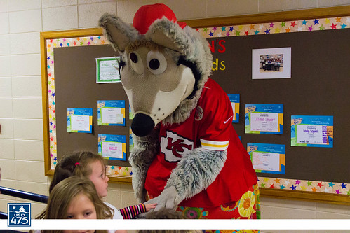 "2017 KC Wolf Visits Sheridan • <a style=""font-size:0.8em;"" href=""http://www.flickr.com/photos/150790682@N02/37849808014/"" target=""_blank"">View on Flickr</a>"