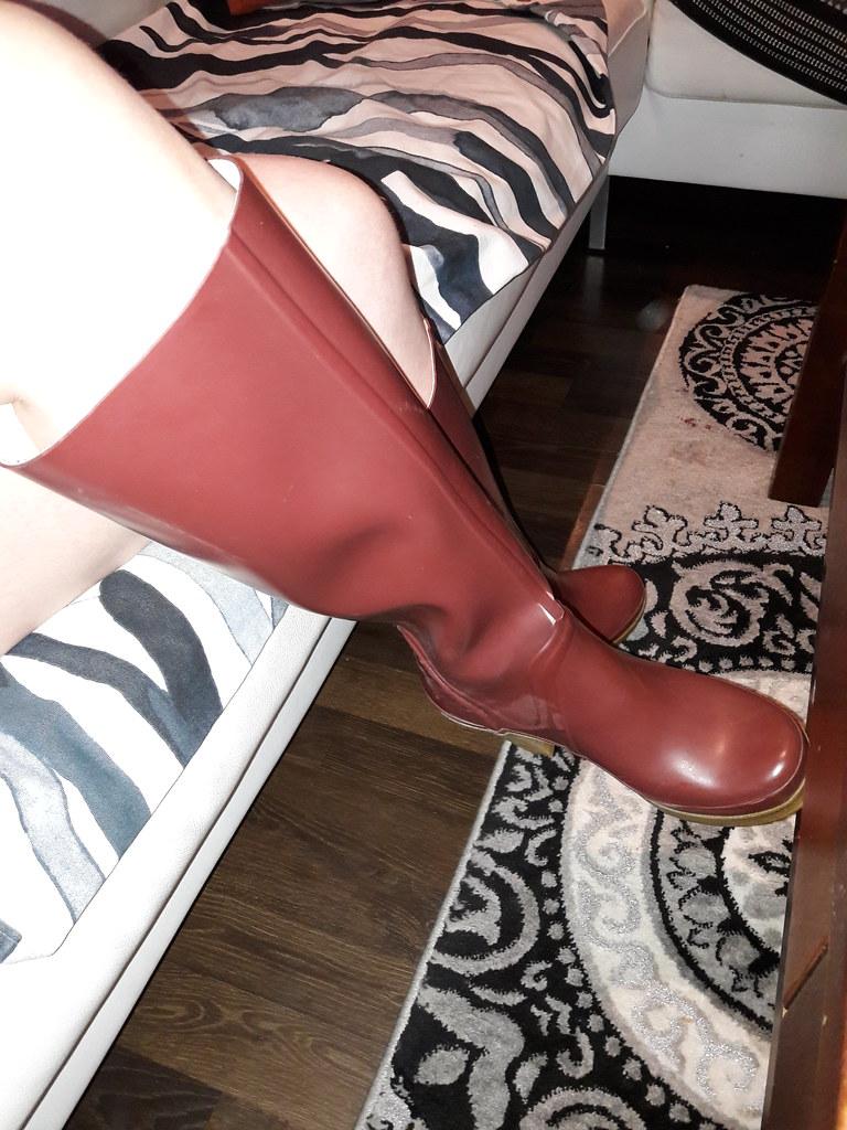 c1c6c748f Wearing splitted huntres (jazka74) Tags: wellies rubber boots hunter high  heel lonny split