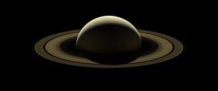 Cassini's farewell mosaic of Saturn