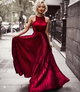 Burgundy  Sleeveless Pleats Evening Dresses