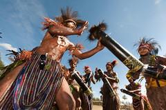PNG 2013 - Goroka Show - 020FL.jpg (Ronald Vriesema) Tags: festival gorokashow eastpapua highlands png папуановаягвинея papuanuevaguinea 巴布亞新幾內亞 papuanewguinea パプアニューギニアの goroka easternhighlandsprovince pg