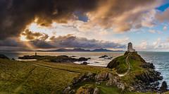 Clearing Skies, Llanddwyn Island (Peter Quinn1) Tags: llŷnpeninsula tŵrmawr tŵrbach llanddwynisland anglesey wales lighthouse clearingskies