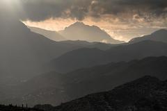 observer (Rafael Zenon Wagner) Tags: 200mm sunset sundown sonnenuntergang light rays licht schatten shadows wolken clouds nature natur layers ebenen dunst mist