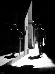 think twice (René Mollet) Tags: twins twice reflection shadow shadowland street streetphotography silhouette streetart streetphotographiebw blackandwhite bw backlight windows renémollet urban urbanstreet urbanlife lugano