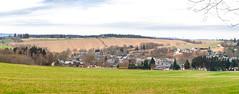 Lehesten Panorama im Spätherbst (zimmermann8821) Tags: 07349lehestenthürwald berge deutschland gebäude herbst natur naturlandschaft siedlung stadt