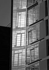 light wave (Seedeich) Tags: 10100mmf4056vrn1 v1 vejle bw harbour architecture bølgen