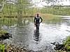 Tauchgang im Herbst (Gabriela Brown) Tags: tauchen latex girl woman frau rubber gummi outdoor outside diving herbst frogwoman taucherin natur see