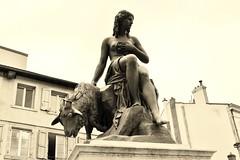 Le Puy en Velay (thierry llansades) Tags: velay le lepuy lepuyenvelay auvergne patrimoine catholique cathedrale religion puydedome allier murs statue eglise aiguille pelerinage pelerin pelerins compostelle nu nue sexy state femme girl dame sculpture sculture