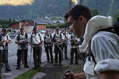 France - defense and army - Mountain soldiers (Fred Marie Photographer) Tags: armée chamonix guerre mountain randonnée alpes alps arme défense ecole ecolemilitaire emhm famas froid fusil gun militaire military montagne polaire snow soldat soldiers summer uniforme war weapon auvergnerhônealpes france fra