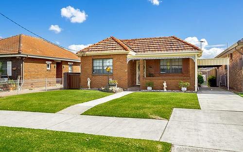 40 David St, Greenacre NSW 2190