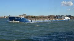 Eurika, je l'ai trouvé.... (maxguitare1) Tags: bateau barco boat péniche france rhône nikon eau acqua agua water barge