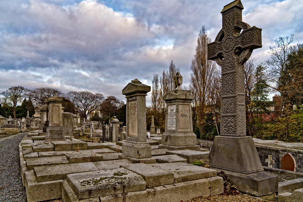 MOUNT JEROME CEMETERY IS AN INTERESTING PLACE TO VISIT [IT CLOSES AT 4PM]-134269