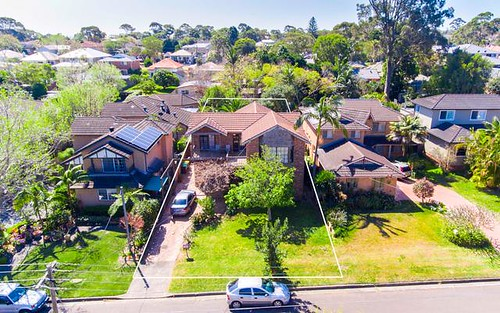 15 Ash Av, Caringbah South NSW 2229