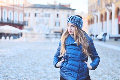 (fedesannelli) Tags: girl blonde model beautiful winter cold city photography streetphotography 50mm nikon