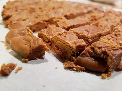 Rahmdääfeli (Andreas Stamm) Tags: candy zucker süsses sweets caramel rahmdääfeli niedelzältli handmade weihnachten christmas xmas selbstgemacht lecker tasty